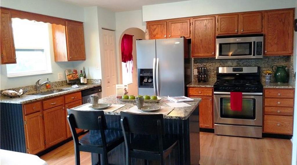 217-stephenson-st-kitchen